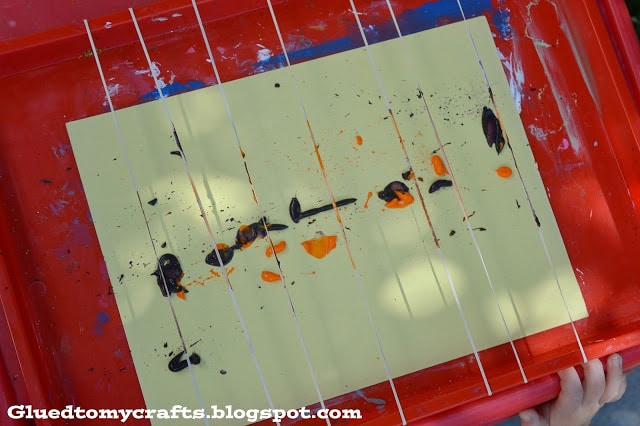 Rubber Band - Splating Painting {Toddler Craft}