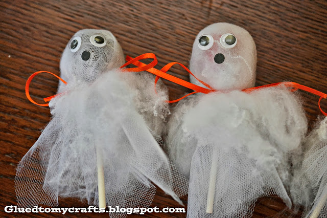 Ghost Sucker Favors {Halloween Craft}