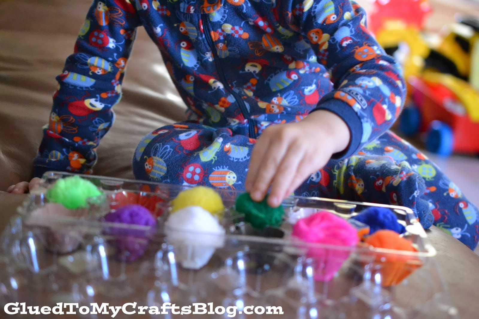 Pom Pom Matching Game {Craft}
