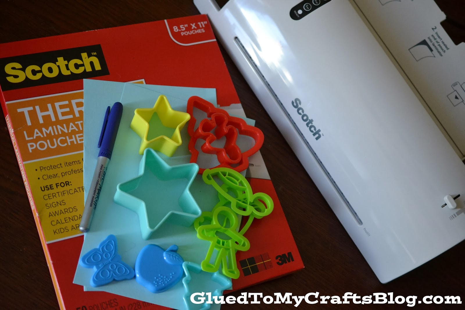 Cookie Cutter Matchup Game {Busy Bag Idea}