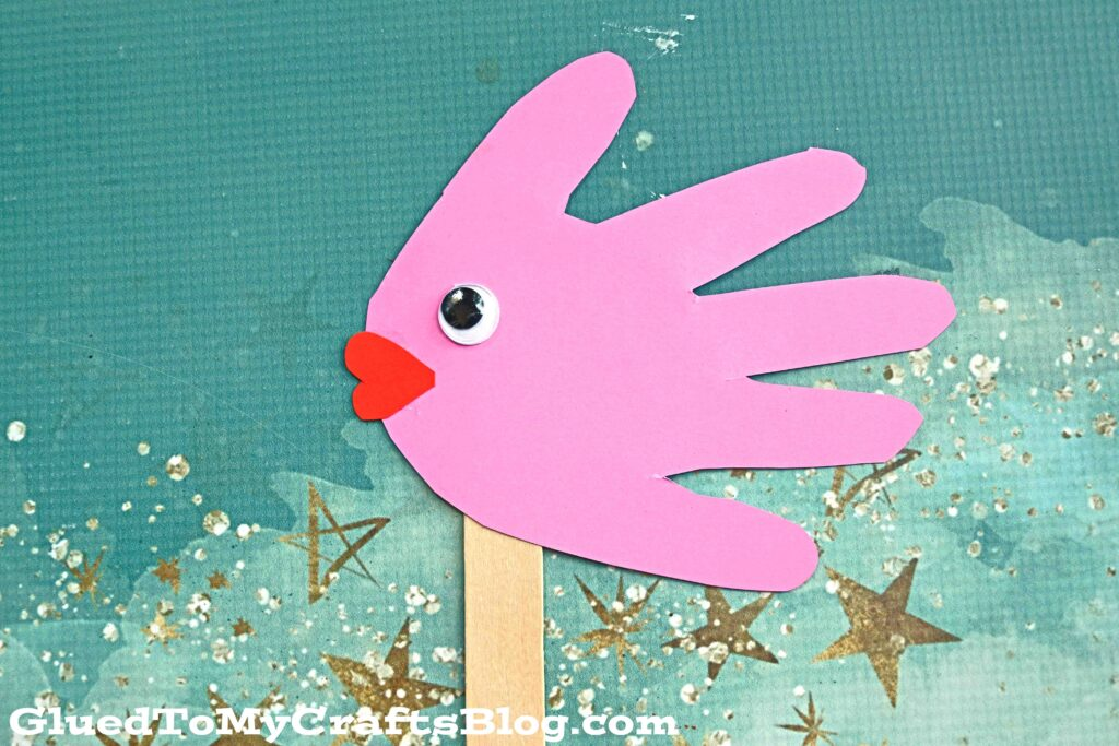 Handprint Fish Puppets - Kid Craft Idea For Summer