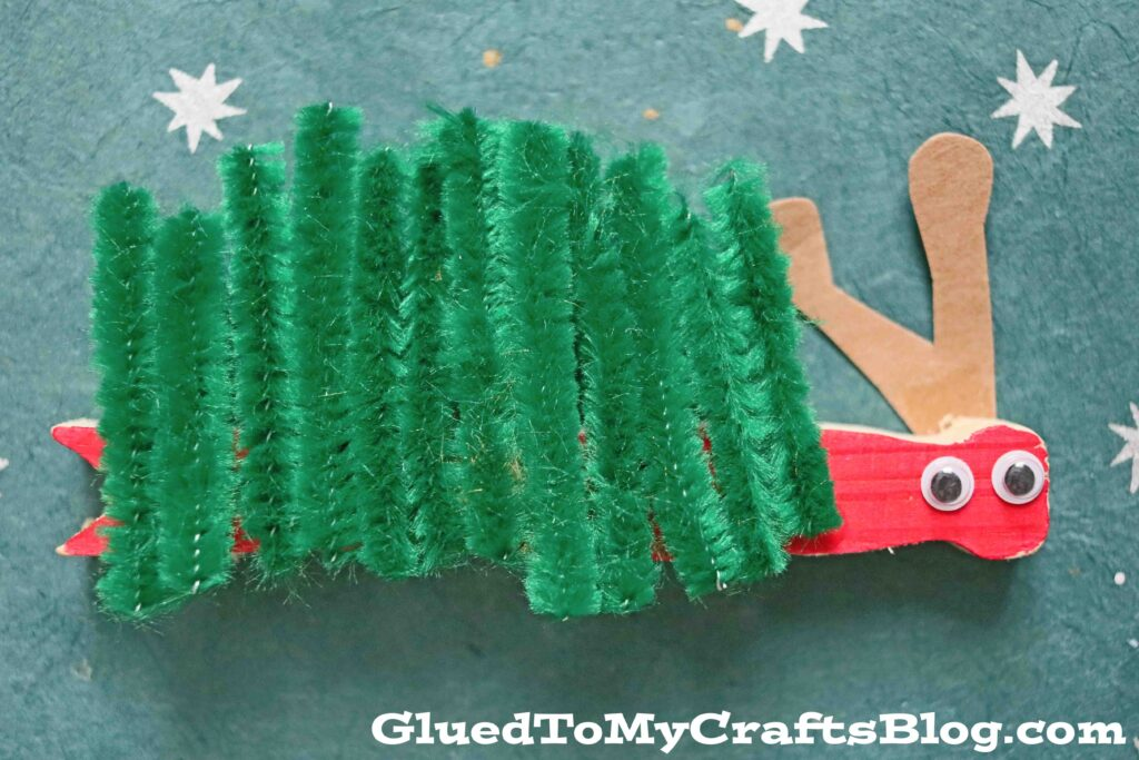 Pipe Cleaner & Clothespin Caterpillar - Kid Craft Idea