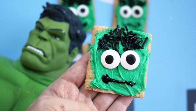 Hulk Inspired Graham Cracker Snack Idea
