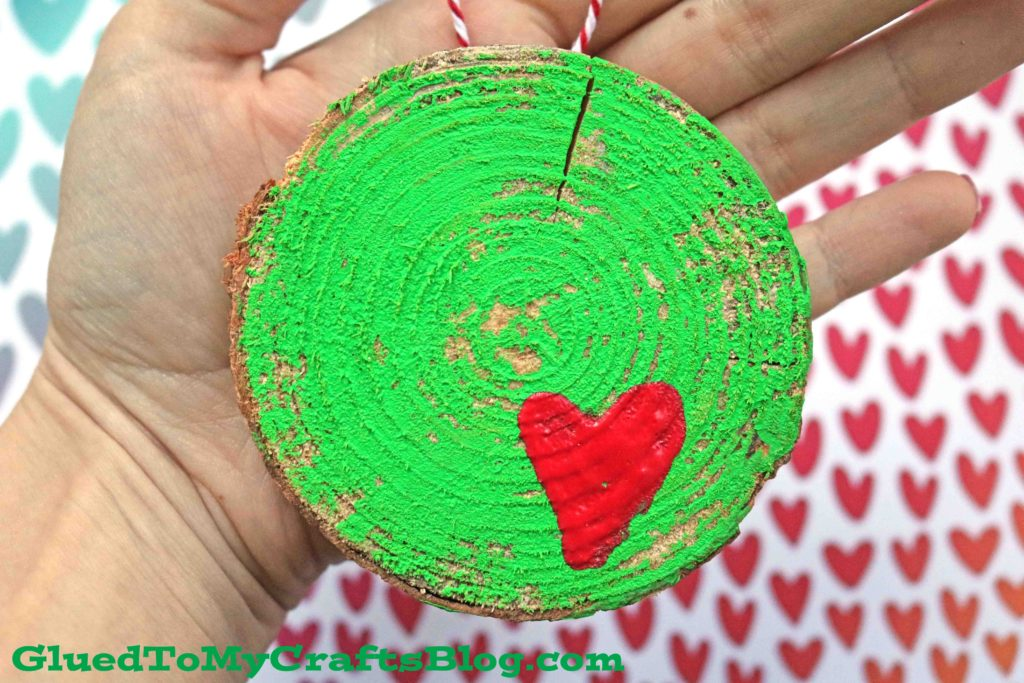 DIY Wood Slice Grinch Ornament