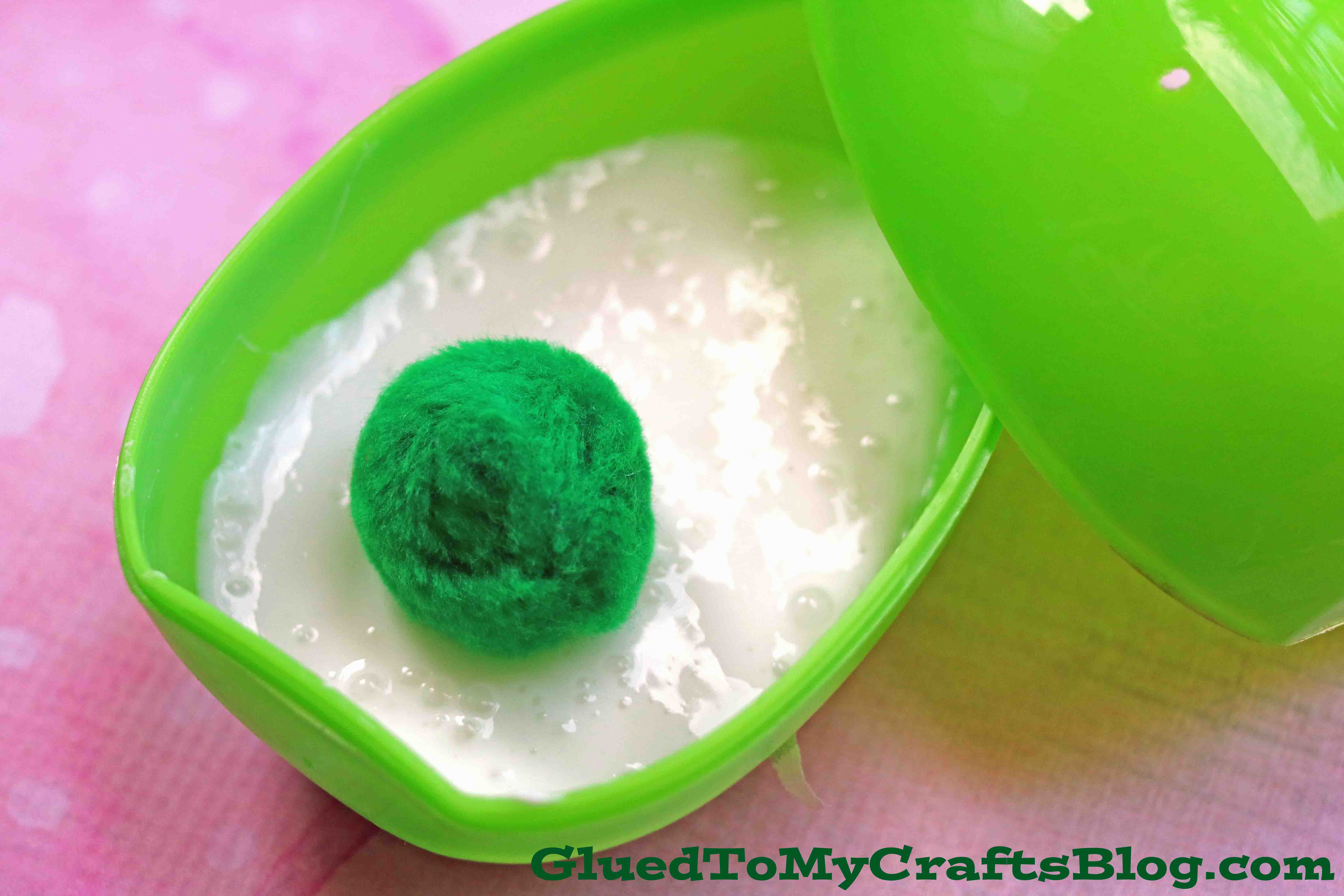 Dr Seuss Inspired Green Eggs and Ham Slime Tutorial