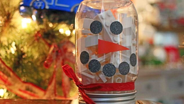 DIY Snowman Building Block Jar - Gift Idea For Christmas