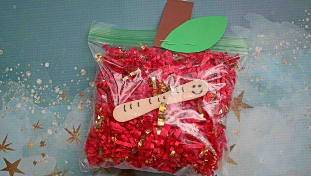 Plastic Baggie & Crinkle Paper Apple - Kid Craft