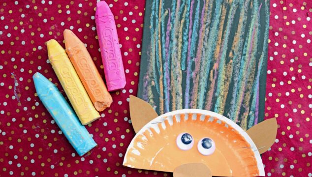 Paper Plate & Chalk Art Troll Hair - Kid Craft Idea