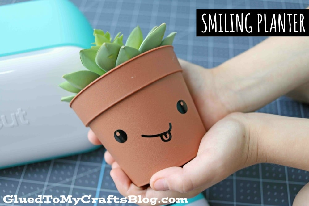 Smiling Flowerpot Craft Idea Using The Cricut Joy Machine
