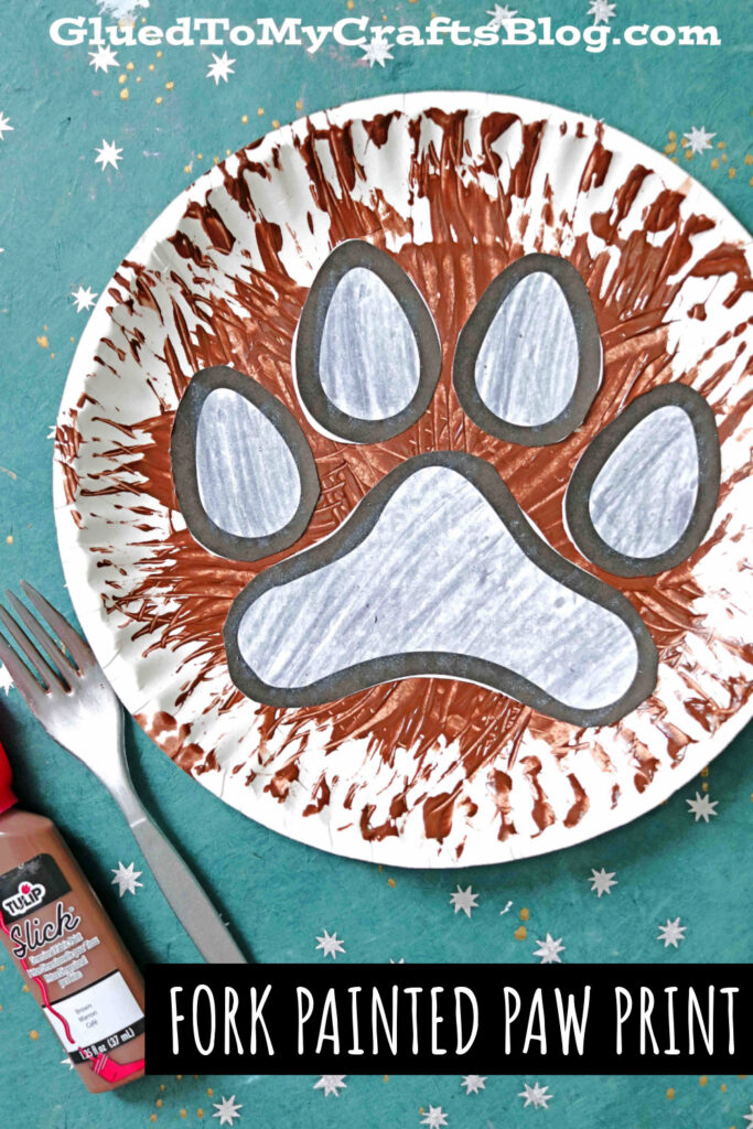Paper Plate Paw Print Craft For Kids To Recreate